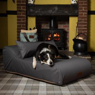 Medium Size Waterproof Chaise Chien In Grey